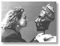 "Laury Dizengremel and her award-winning sculpture ""Face"""