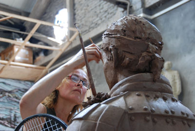 Laury Dizengremel working on the first Tennis Terracotta Warrior